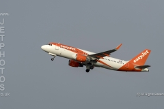Easyjet, Airbus A320-214, OE-IVW, take off at Manchester Airport