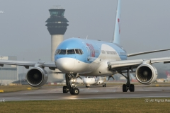 TUI Airways, Boeing 757-2GS, G-OOBP taxy for take off at Manchester Airport